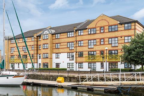 2 bedroom flat to rent - Dunnage Crescent, Surrey Quays SE16