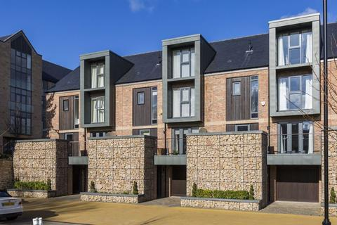 5 bedroom terraced house for sale - Bespoke Modern Family Townhouse Set Within Private Grounds