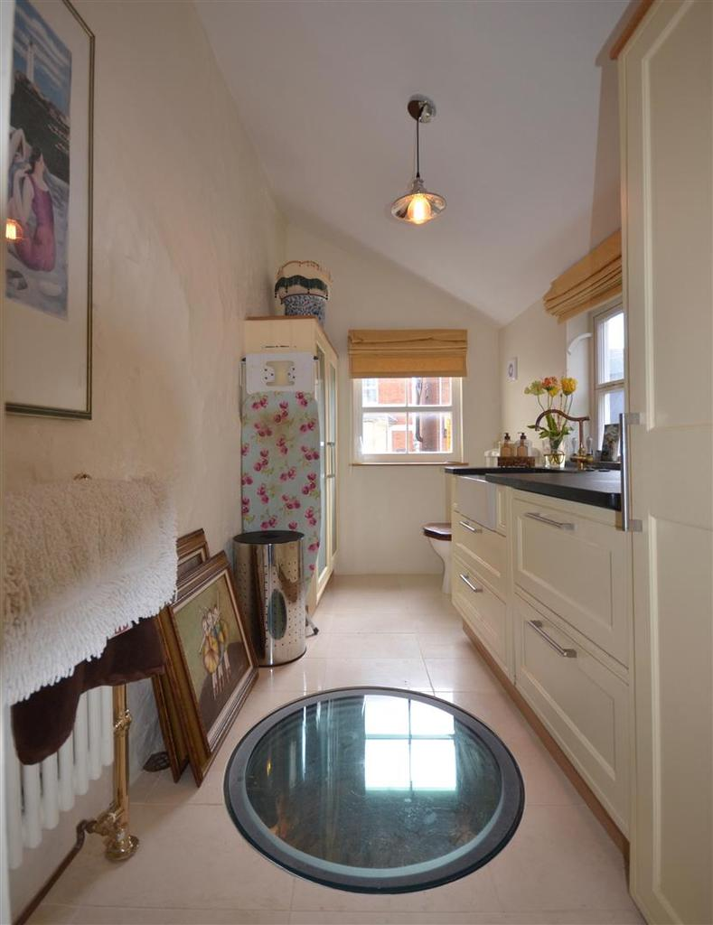 Utility / Cloakroom with Well