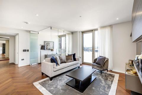 2 bedroom flat for sale - Capital Building, Embassy Gardens, Nine Elms, London SW8
