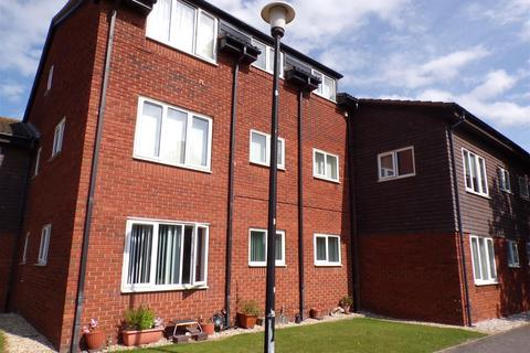 2 bedroom flat for sale - Russell Road, Rhyl