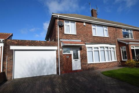 3 bedroom semi-detached house for sale - Beach Road, Tynemouth