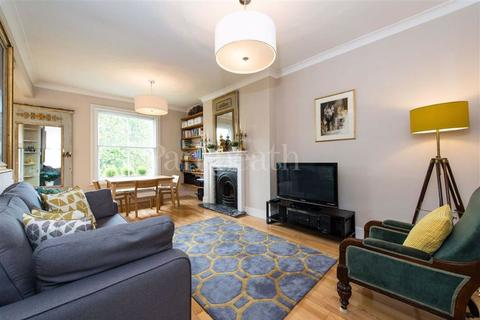 3 bedroom flat for sale - Priory Road, South Hampstead, London
