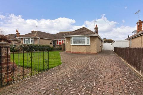 2 bedroom semi-detached bungalow for sale - Barfield Park, Lancing