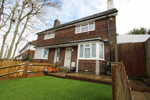 3 bedroom semi-detached house for sale - Goodwood Way, Brighton