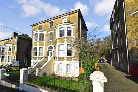 2 bedroom apartment for sale - Godwyne Road, Dover, Kent