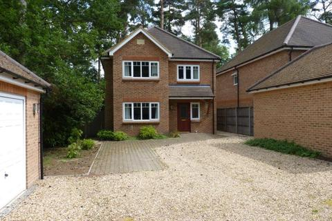 4 bedroom detached house to rent - Headley Down