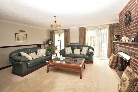 3 bedroom chalet for sale - Bruce Grove, Chelmsford, Essex, CM2