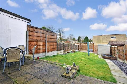 3 bedroom end of terrace house for sale - Bruce Avenue, Hornchurch, Essex