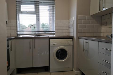 2 bedroom flat to rent - Palace View, SE12
