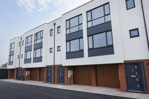 3 bedroom townhouse for sale - Ramsgate