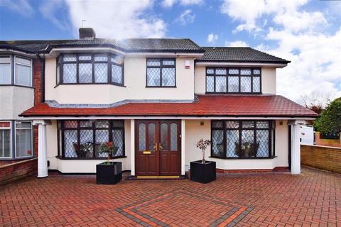 4 bedroom semi-detached house for sale - Simpson Road, Rainham, Essex