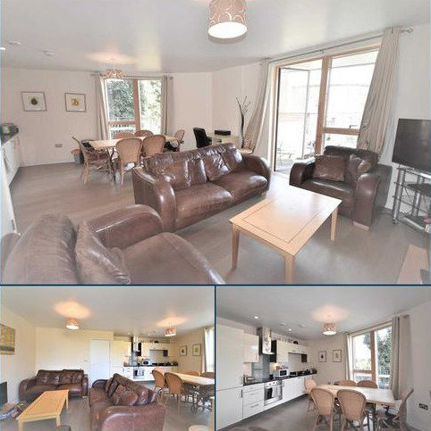 2 bedroom flat to rent - Burlington Green, London