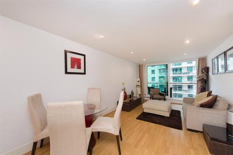1 bedroom apartment for sale - Kestrel House, St George Wharf, Vauxhall, London, SW8