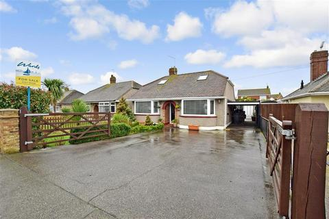 2 bedroom detached bungalow for sale - Hunters Forstal Road, Herne Bay, Kent