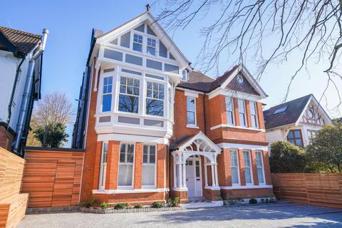 2 bedroom flat for sale - Corfton Road, Ealing, London