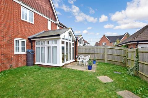 3 bedroom semi-detached house for sale - Mackintosh Drive, Bognor Regis, West Sussex