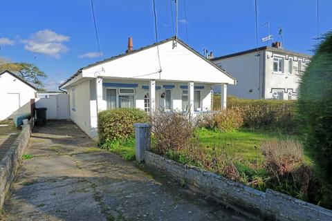 2 bedroom detached bungalow for sale - Organford Road, Holton Heath