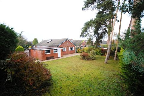 3 bedroom detached bungalow for sale - Betton Road, Market Drayton