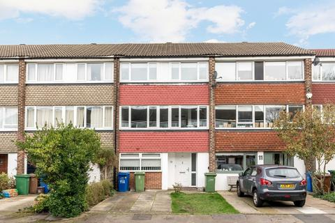 4 bedroom terraced house to rent - Beaulieu Close, London