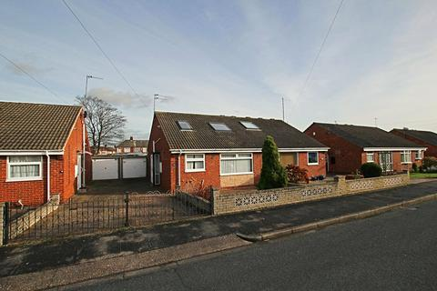 3 bedroom bungalow for sale - Derwent Close, Cottingham, HU16