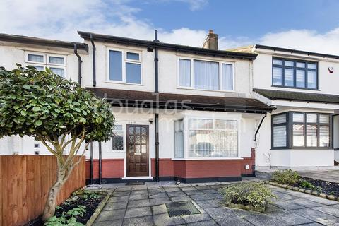 3 bedroom terraced house for sale - Renters Avenue, London NW4