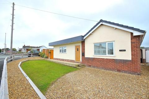 3 bedroom detached bungalow for sale - Linthorpe Road, Buckley