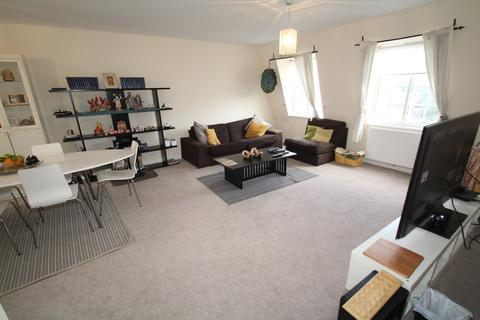 3 bedroom flat to rent - Herga Court, Harrow on the Hill HA1 3RS