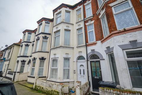 3 bedroom apartment for sale - St. Peters Road, Great Yarmouth