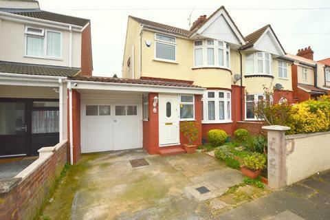 3 bedroom semi-detached house for sale - Broadmead, Saints, Luton, Bedfordshire, LU3 1RX