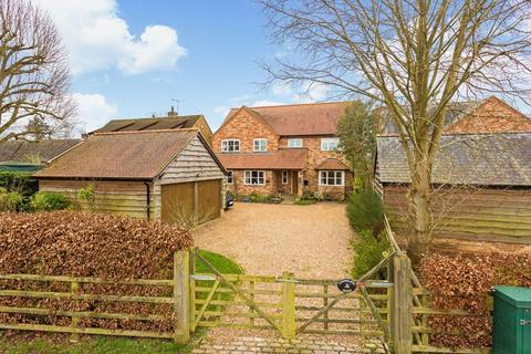 6 bedroom village house for sale - Eythrope Road, Stone Buckinghamshire