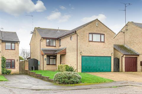 5 bedroom detached house for sale - Magpie Road, Towcester