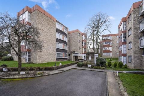 2 bedroom flat for sale - Christchurch Park, Sutton