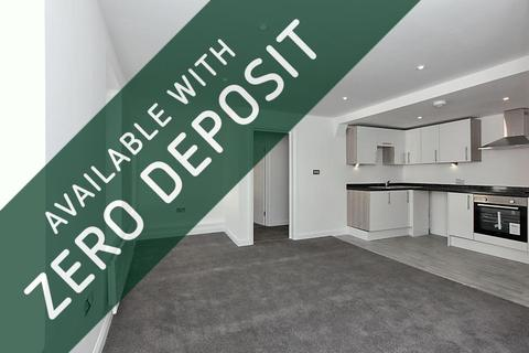 2 bedroom flat to rent - High Street, Sittingbourne