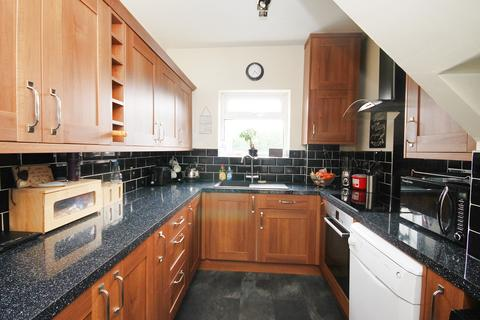 3 bedroom semi-detached house for sale - Clifford Road, Penketh, Warrington, WA5