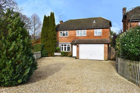 4 bedroom detached house for sale - Rhinefield Close, Brockenhurst, SO42