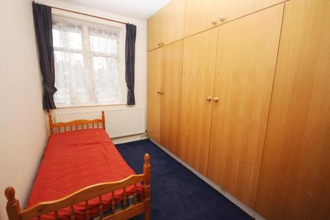 1 bedroom flat share to rent - Erconwald Street, East Acton, London, W12 0BP