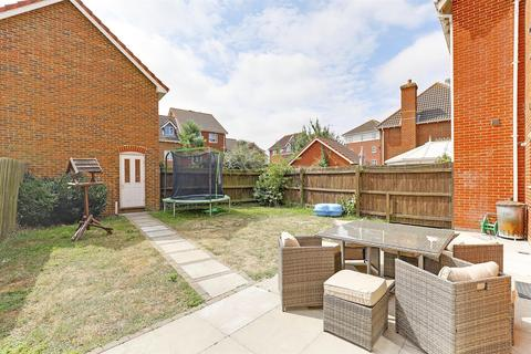 4 bedroom semi-detached house for sale - Ruby Close, Sittingbourne