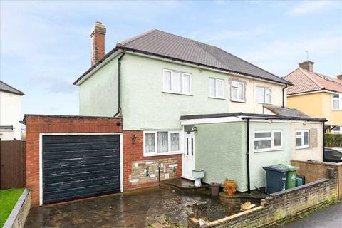 3 bedroom semi-detached house for sale - River Avenue, Hoddesdon