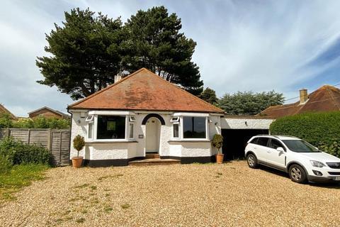 3 bedroom detached bungalow for sale - Broomfield Road, Herne Bay