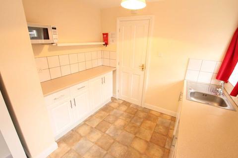 Studio to rent - Allen Road, Wolverhampton