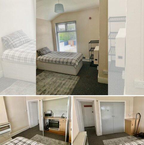 Studio to rent - VICTORIA ROAD, HARBORNE, BIRMINGHAM B17