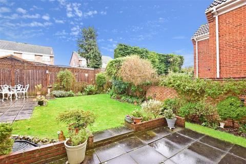 4 bedroom detached house for sale - Dawson Drive, Swanley, Kent
