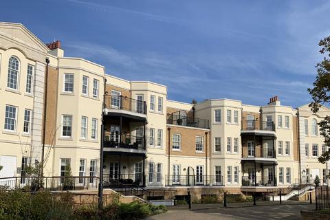 2 bedroom flat for sale - Westerham Road, Keston