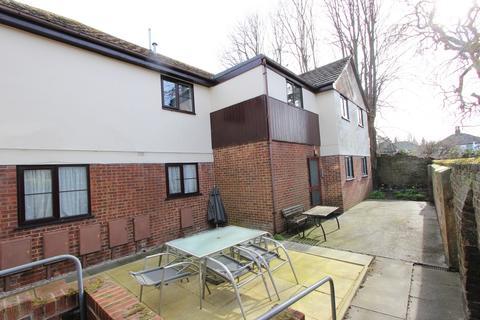 2 bedroom flat for sale - Queen Street, Deal, CT14