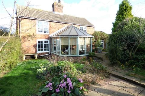 3 bedroom cottage for sale - Chapel Lane, Manby, Louth, LN11 8HQ