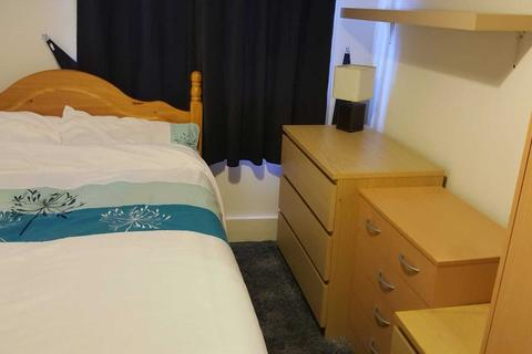 1 bedroom in a house share to rent - Russell Street, Reading