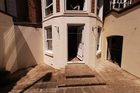 2 bedroom ground floor flat to rent - St Helens Parade, Southsea