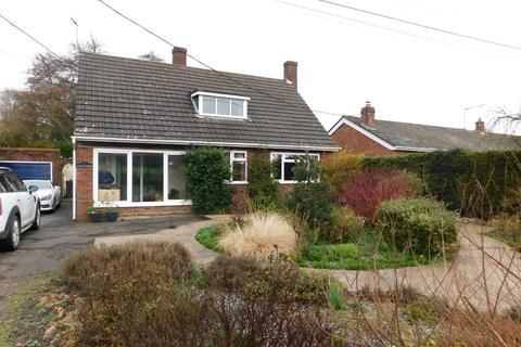 3 bedroom detached bungalow for sale - Combs Lane, Great Finborough