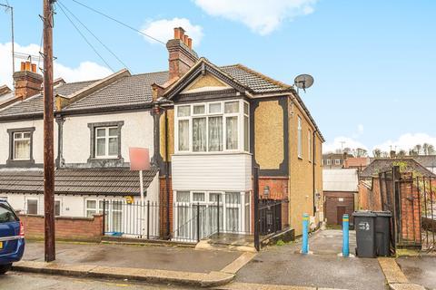 2 bedroom maisonette for sale - Malcolm Road, Coulsdon